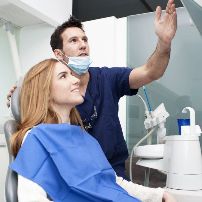 Choosing the Right Cosmetic Dentist